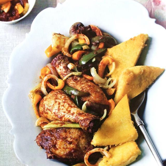 Rezept von Cynthia Barcomi: Hühnchen nach Jägerart mit Rosmarin-Polenta