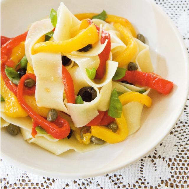 Rezept von Marlein Overakker: Nudelsalat mit gegrillten Paprikas