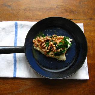 Rezept von Mitch Tonks: In Butter gebratene Rotzunge mit Nordseekrabben