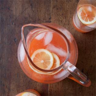 Lemonade-with-strawberries-315