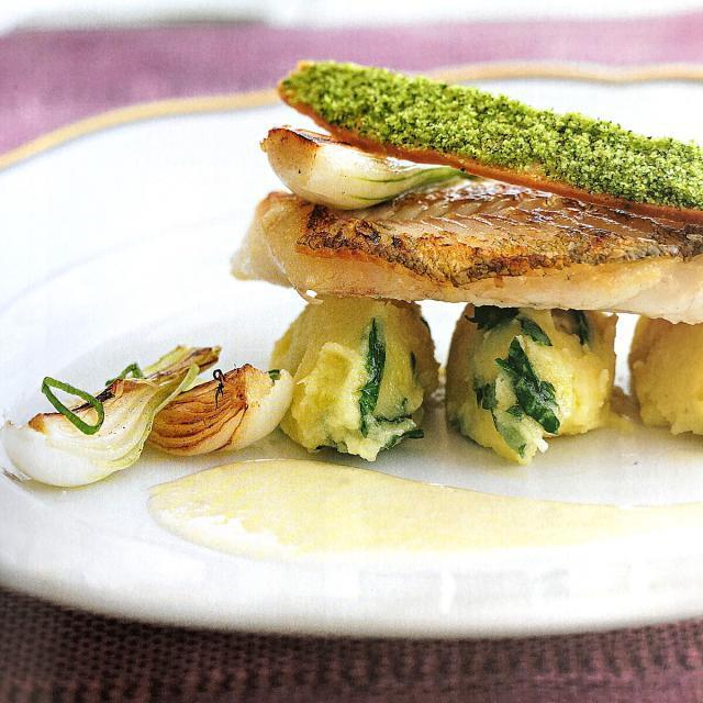 Rezept von Lea Linster: Zanderfilet & Rieslingsoße
