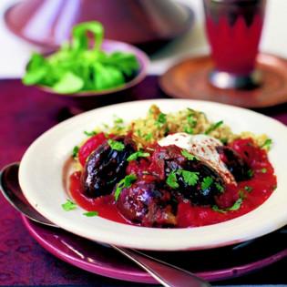 Rezept von Ghillie Başan: Tajine mit Baby-Auberginen, Koriander und Minze