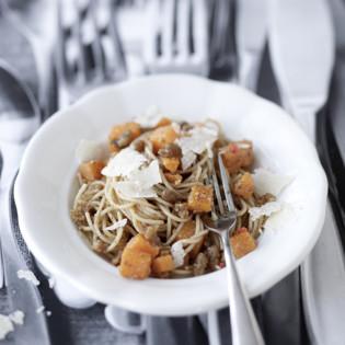 Rezept von Christian Rach: Spaghetti mit Kürbis und Walnusspesto
