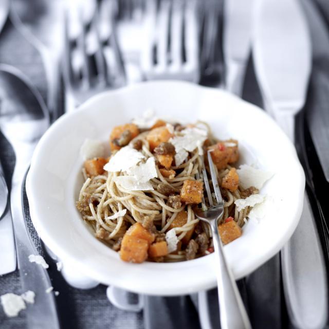 Rezept von Christian Rach: Spaghetti mit Kürbis & Walnusspesto