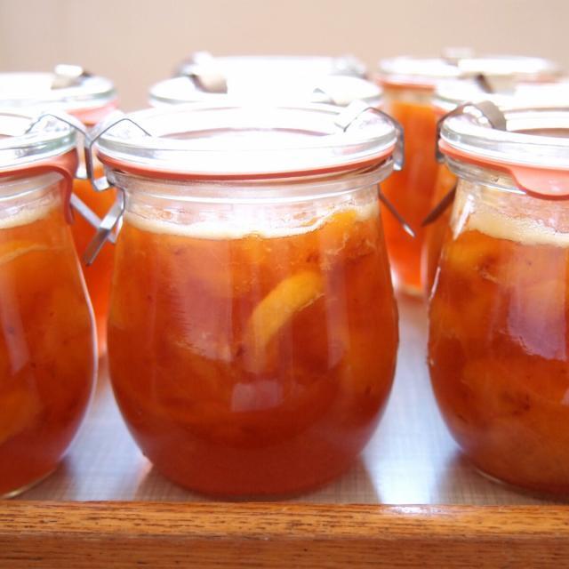 Rezept von Christine Ferber: Konfitüre von weissen und gelben Pfirsichen