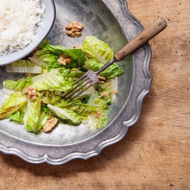 Rezept von Li Hong: Salat mit Walnüssen in Austernsauce