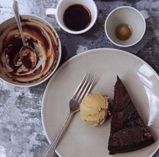 Rezept von Alice Hart: Schokoladentarte mit Salzkaramell