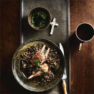 Rezept von Christoph Bürge: Lammkoteletts auf Linsen mit Salsa Verde