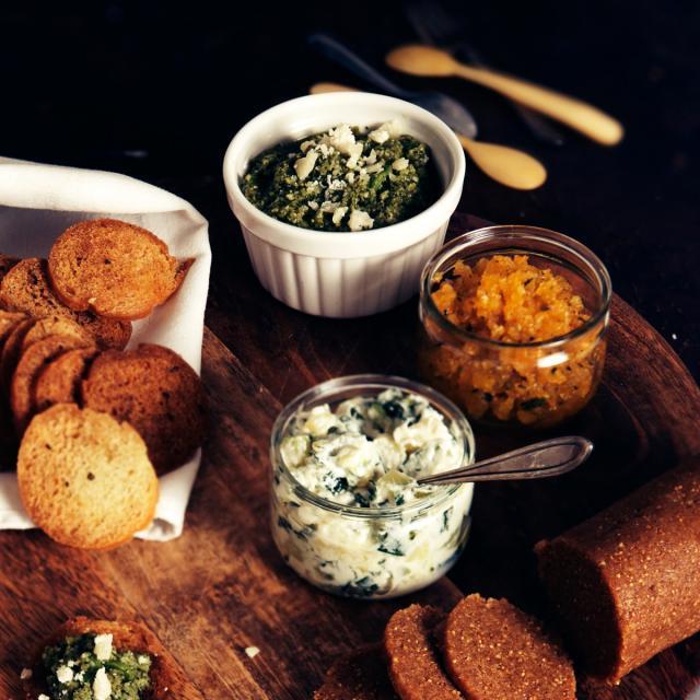Rezept von Yvette van Boven: Aufstrich aus Zucchini, Ricotta & Minze