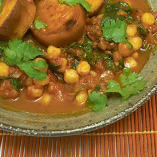 Rezept von Yotam Ottolenghi, Sami Tamimi: Kichererbsen mit Spinat
