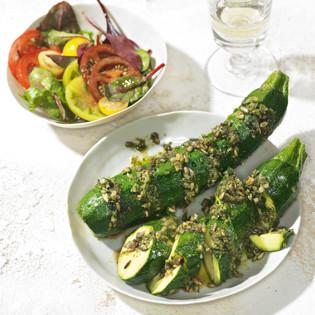 Rezept aus Vegetarisch grillen: Zucchini mit Sonnenblumenkernpesto
