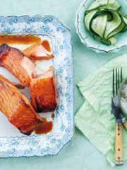 Rezept von Bill Granger: Glacierter Lachs mit Gurken-Sesam-Salat
