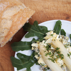 Rezept aus Mein Bistro zuhause: Eiersalat mit grünem Spargel