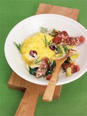 Rezept von Hans Gerlach: Salsicce-Lauch-Ragout mit Polenta und Rosmarin