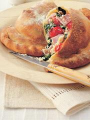 Rezept von Michel Roux: Calzone mit Tomaten, cremigen Ricotta und viel Basilikum