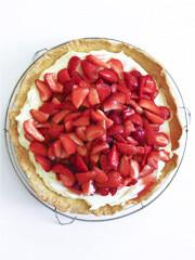 Aus Valentinas Küche: Erdbeertarte mit Crème, Vanille & Zitrone