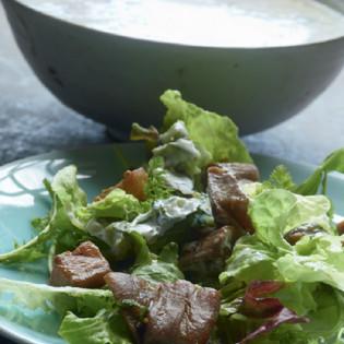Rezept von May Vervoordt: Auberginensalat mit Gurken-Joghurtsauce
