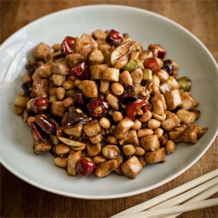 Rezept von Fuchsia Dunlop: Gong-Bao-Huhn mit Erdnuss
