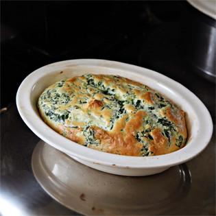 Rezept von Hugh Fearnley-Whittingstall: Soufflé mit Spinat, Penne und Käse