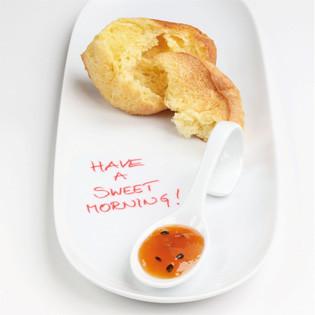 """Rezept aus """"Ganz entspannt kochen"""": Zitronen-Popovers mit Pfirsich-Maracuja-Marmelade"""