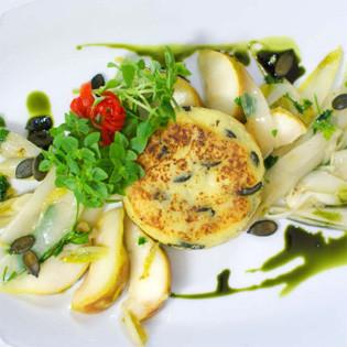 Rezept von Josita Hartanto: Kartoffelplätzchen mit Chicorée und Birne
