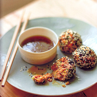 Rezept von Jez Felwick: Wasabi-Lachs-Bällchen mit Sesam