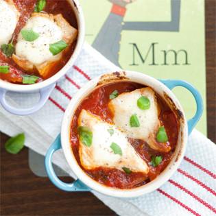Rezept von Lisa Nieschlag: Putenschnitzel auf Tomatensauce