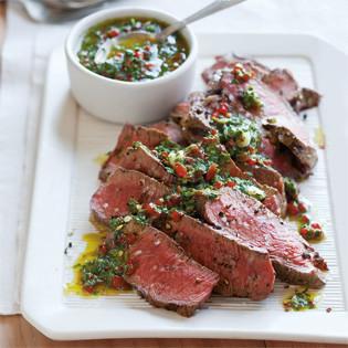 Rezept von Christie Dufault + Jordan Mackay: Gegrilltes Steak mit Chimichurri