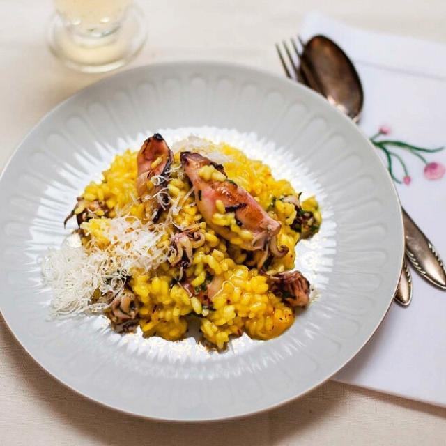 Rezept Walker + Deiana: Safranrisotto mit Tintenfisch