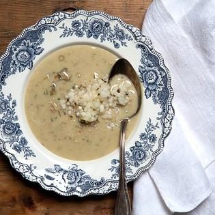 Rezept von Cornelia Schinharl: Roquefortsuppe mit Nüssen und Birnen-Tatar