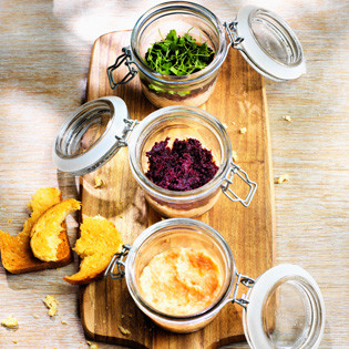 Rezept von Luke Mangan: Trout Rillette with Spiced Beetroot