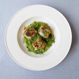 Rezept aus Fisch: Sautierter Kabeljau mit Erbsenpüree
