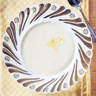 Rezept von Lindsey Bareham: Blumenkohl-Zitronen-Suppe