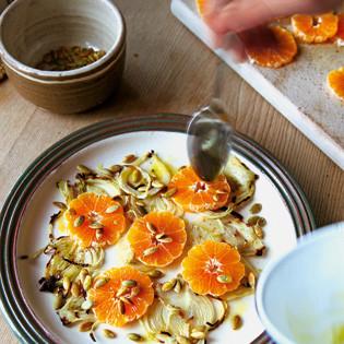 Rezept von Hugh Fearnley-Whittingstall: Fenchel-Mandarine-Kürbiskerne