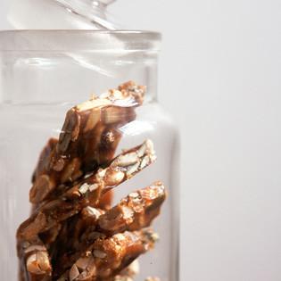 Rezept von Gaitri Pagrach-Chandra: Spicy Peanut and Seed Brittle