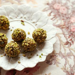 Rezept von Gaitri Pagrach-Chandra: Pistazien-Milch-Kugeln