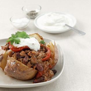 Rezept von Jane Hornby: Chili con Carne mit gebackenen Kartoffeln