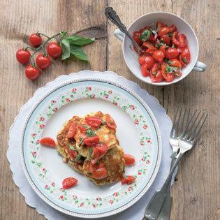 Rezept von Anne Faber: Mais-Ricotta-Puffer mit Tomaten-Salsa