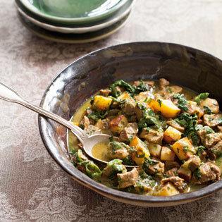 Rezept von Tess Mallos: Khoresch – E Gormeh Sabsi – Fleisch mit grünem Gemüse