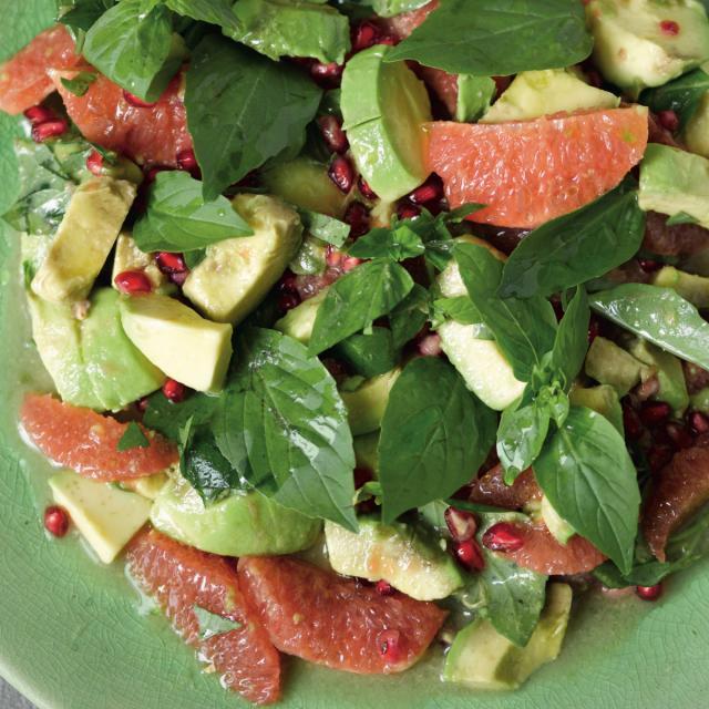 Rezept von Ali Güngörmüs: Grapefruit-Avocado-Salat mit Granatapfel