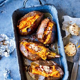 Rezept von Levi Roots: Gebackene Süßkartoffeln mit Chipotle-Chili-Butter