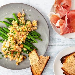 Rezept von Neil Perry: Grüner Bohnensalat mit Auberginenkaviar und Prosciutto