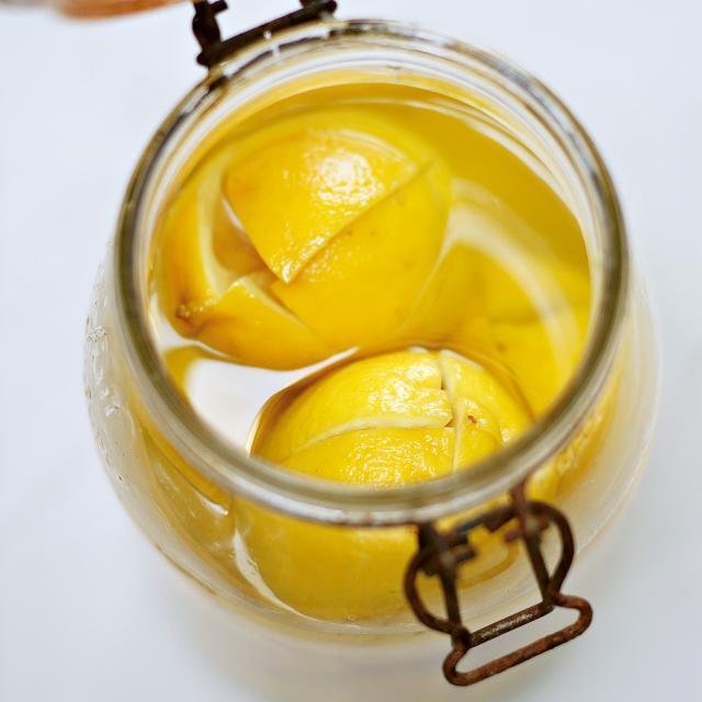 Rezept von Alain Ducasse & Paule Neyrat: Eingelegte Salzzitronen