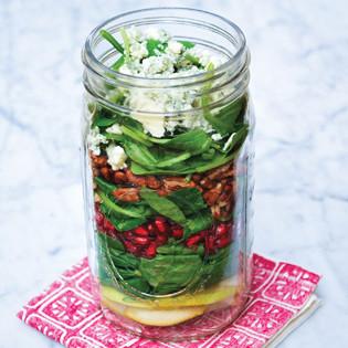 Rezept von Julia Mirabella: Granatapfel-Birnen-Salat