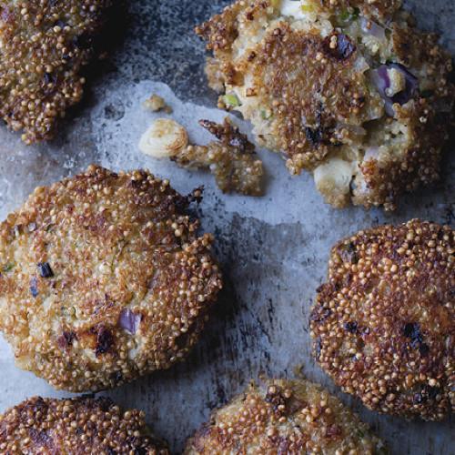 Rezept von Yotam Ottolenghi: Quinoa-Küchlein und Salbitxada-Sauce
