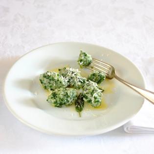 Rezept von Claudio Del Principe: Ricotta-Spinat-Klößchen / Malfatti