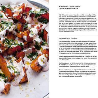Rezept von Yotam Ottolenghi: Kürbis mit Chili-Joghurt und Koriander-Sauce