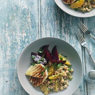 Rezept von Ghillie James: Bulgursalat mit Kichererbsen, Roter Bete und Orangen