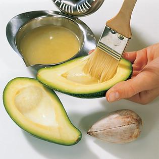 """Rezept aus """"Küchenpraxis"""": Avocado mit Tunfisch"""