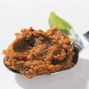 """Rezept aus """"Küchenpraxis"""": Klassischer Kräuterpesto und Pesto Rosso"""